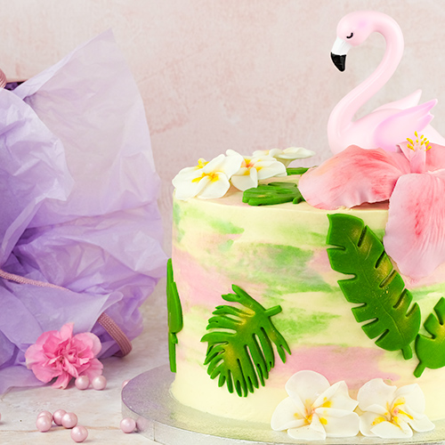 Hawaiian cake with flamingo